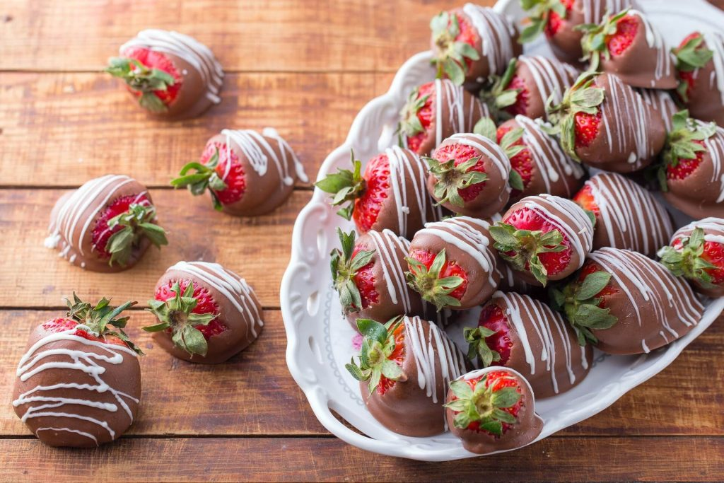 Shower Food Ideas = Sweets; H2s: Chocolate Covered Strawberries, Punch, Cupcakes