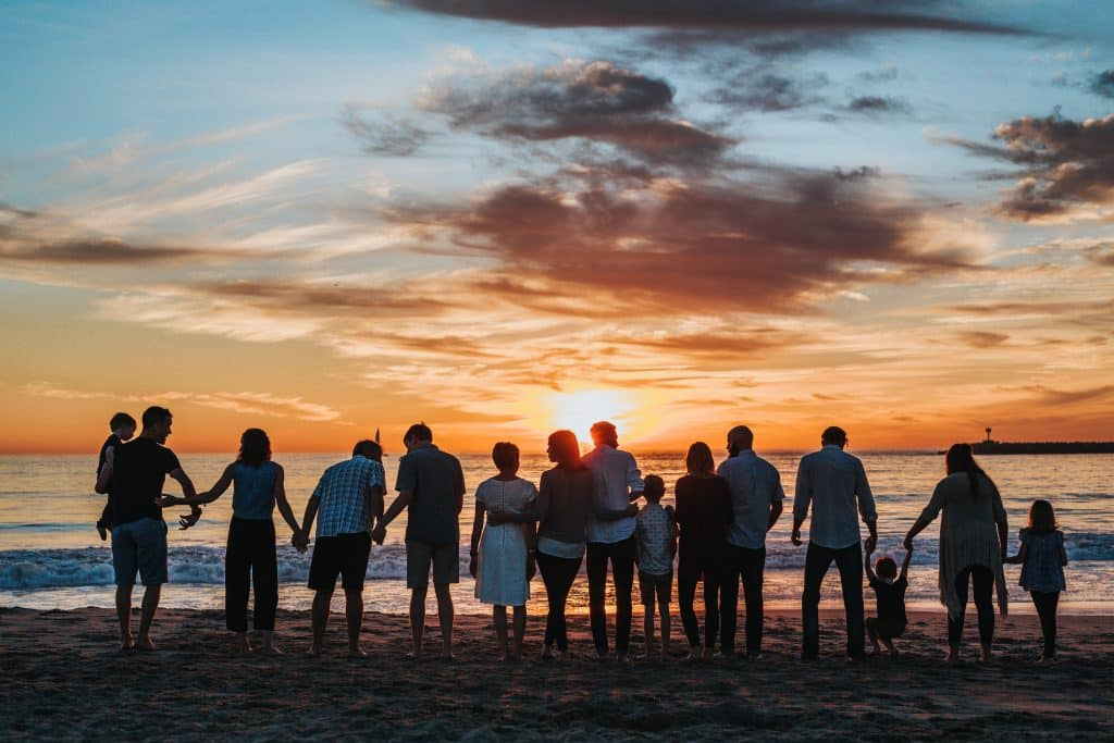 5 Reasons to Use Our Helpful Family Reunion Checklist
