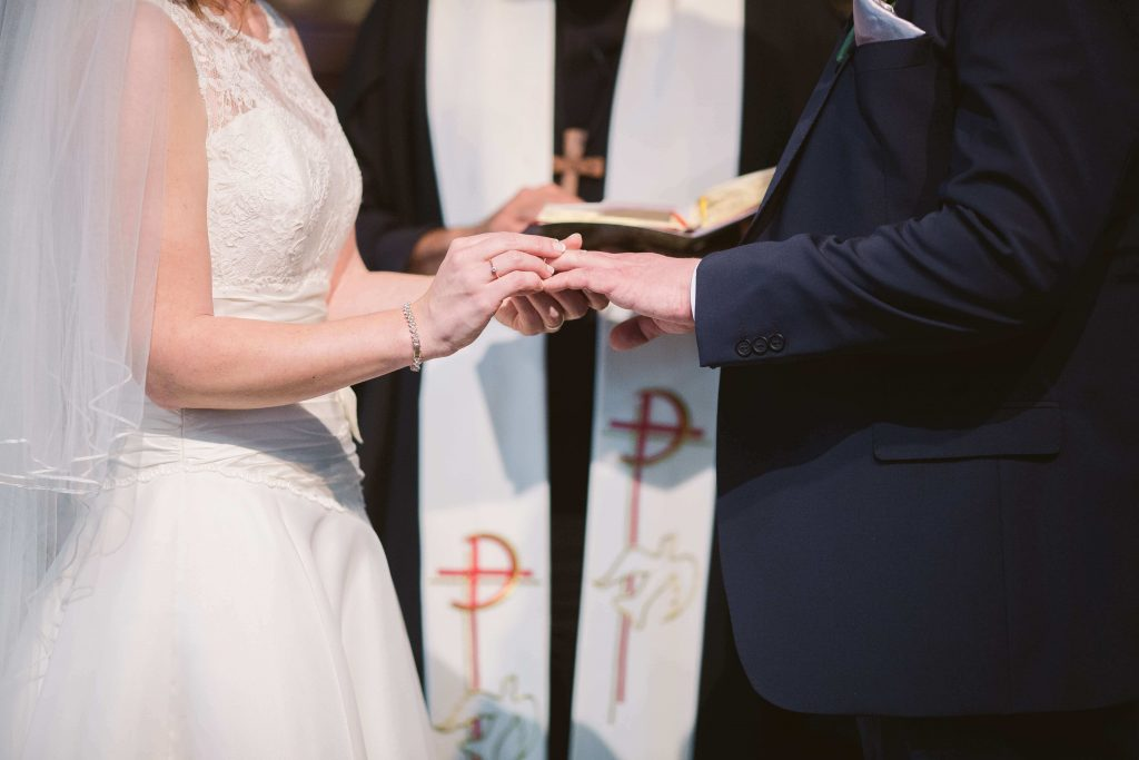 When to Do a Handfasting Ceremony