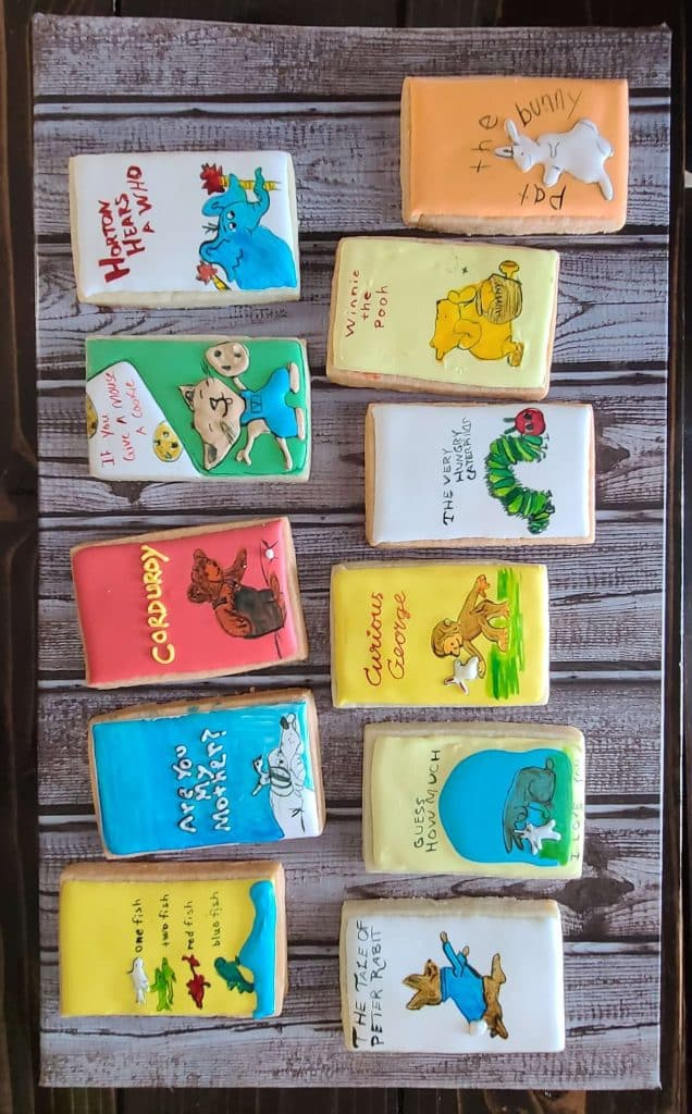 book-themed-baby-shower-party-favors-book-shaped-cookies-to-go